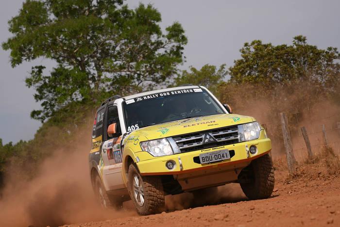 Dupla representante do Paraná, competem pelo segundo ano no Rally dos Sertões (Gustavo Epifanio/Fotop)