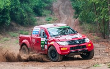Prova teve mudanças bruscas de piso. Foto: Marcio Machado / Mitsubishi