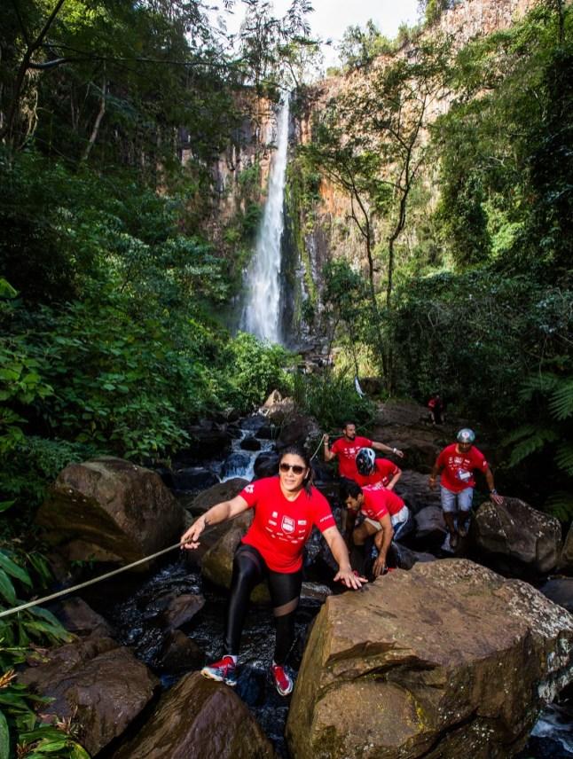 Belas paisagens fazem parte da aventura. Foto: Tom Papp / Mitsubishi