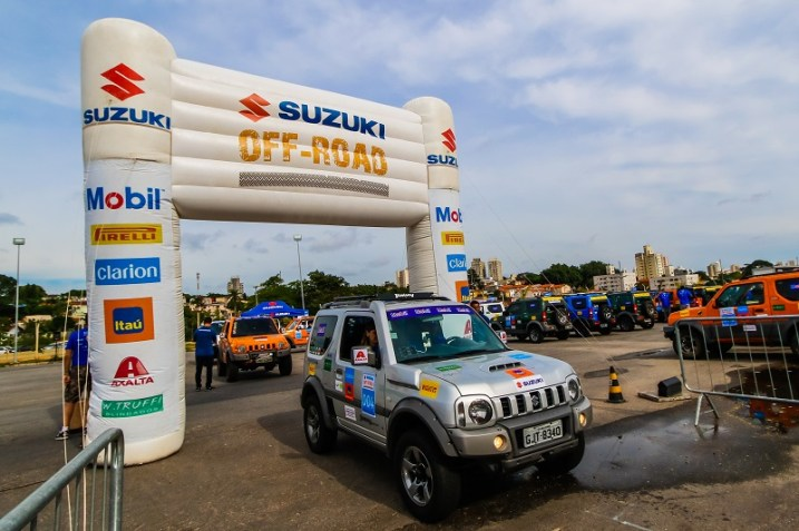 Largada foi da Adventure Sports Fair. Foto: Cadu Rolim / Suzuki