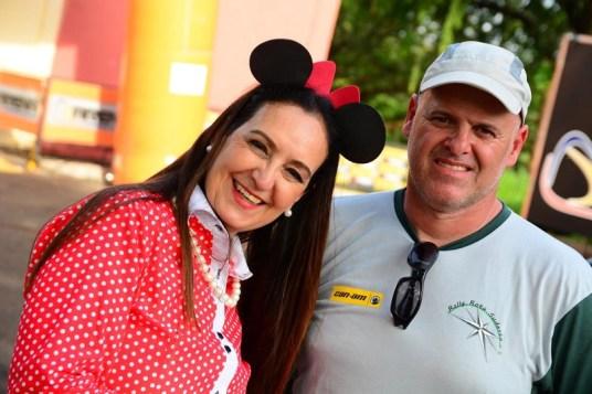 Tânia Mara Carvalho com o organizador do Rally Rota Sudeste, Henrique Arena (Lucas Carvalho/Photo Action