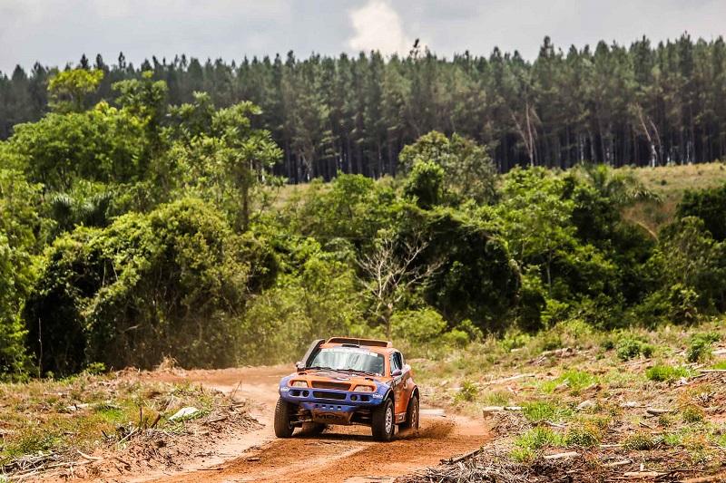 Rally Rota Sudeste acontece em área de reflorestamento de eucaliptos (Sanderson Pereira/ PhotoEsporte)