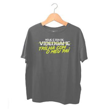 Produto_Camiseta_Q08_DiaVideoGame_PretaEstonada_Infantil