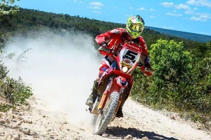 A competição é válida para as categorias motos, quadriclos e UTVs (Nelson Santos Jr/PhotAction)