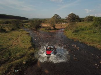 Prova teve 400 km e vários tipos de obstáculos. Foto: Sanderson Pereira