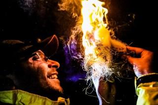 Equipes tiveram que fazer o próprio fogo. Foto: Cadu Rolim / Mitsubishi