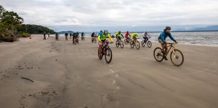 Bike a beira mar. Foto: Ricardo Leizer / Mitsubishi