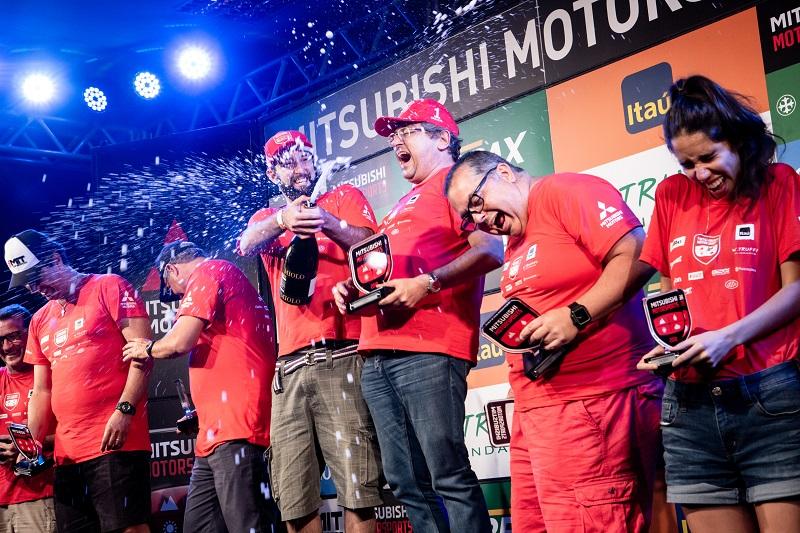 Os melhores sobrem ao pódio (Foto: Ricardo Leizer / Mitsubishi)