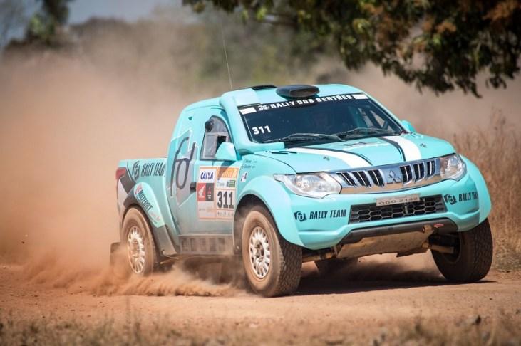 Mitsubishi domina o grid do Rally dos Sertões (Foto: Gustavo Epifanio / Fotop)