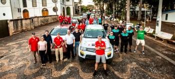 Competidores fizeram visita ao centro de Cordeirópolis (Foto: Ricardo Leizer / Mitsubishi)