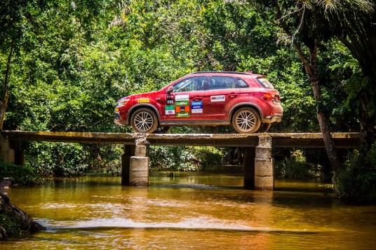 Veículos 4x4 são colocados à prova (Foto: Adriano Carrapato/Mitsubishi)