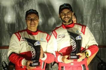 Facco e Herrero com os troféus de Vice-Campeões Brasileiros na RC2N (Foto: Edson Castro)