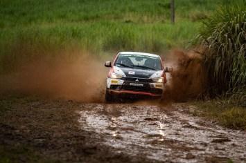 Chuva forte deixou o trecho encharcado (Foto: Marcelo Machado de Melo/Mitsubishi)