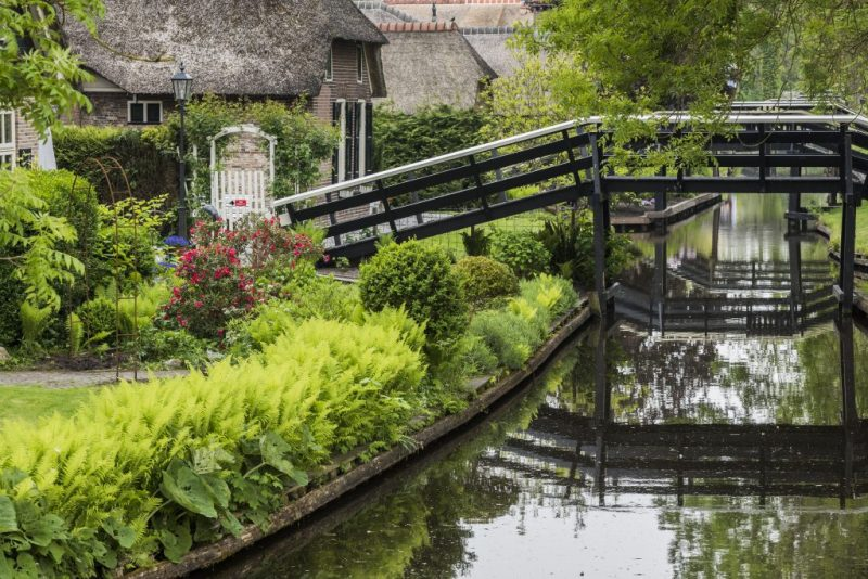 Giethoorn Canal bridges