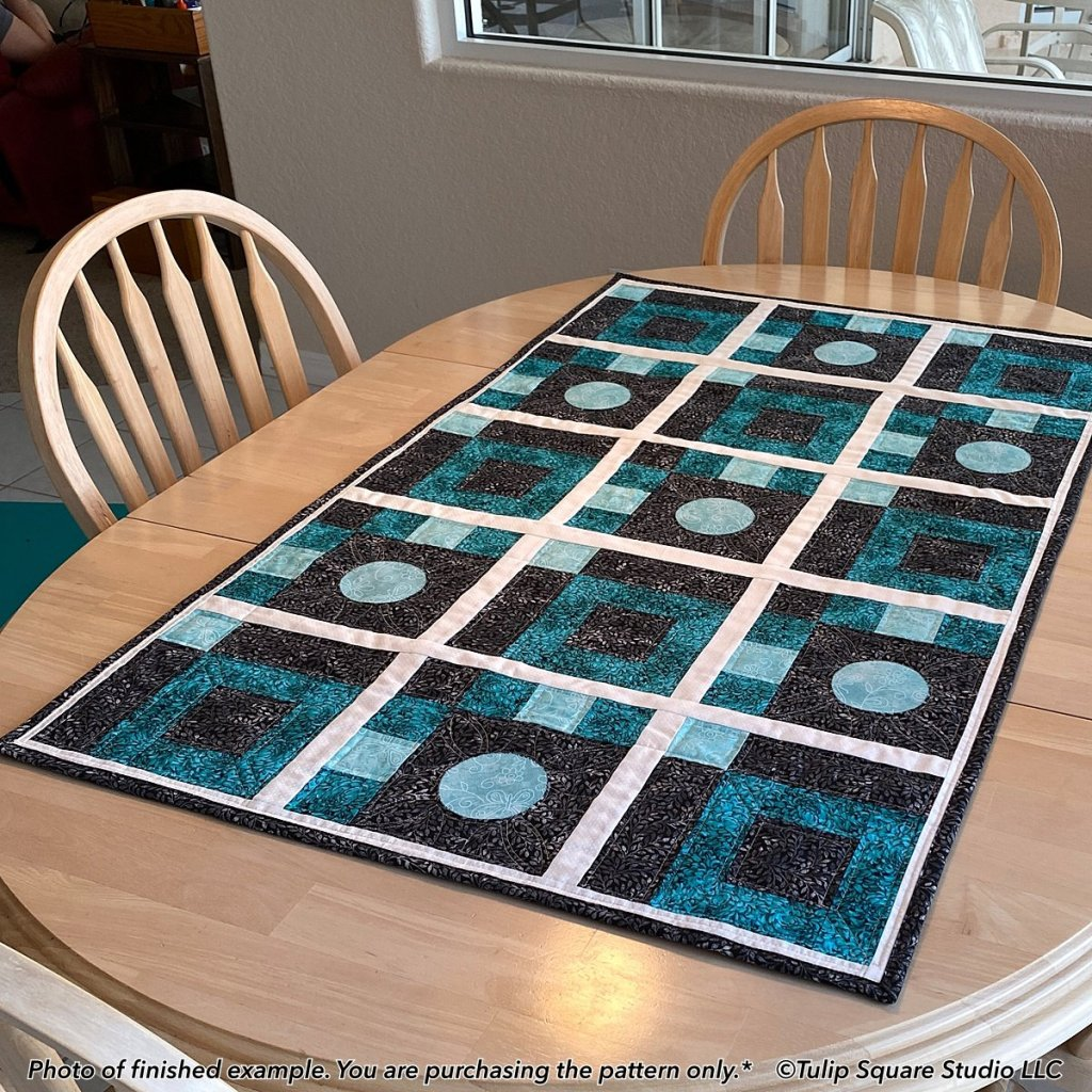 circle-shapes-quilted-table-topper-tulip-square-patterns