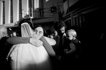 wedding-guest-greeting