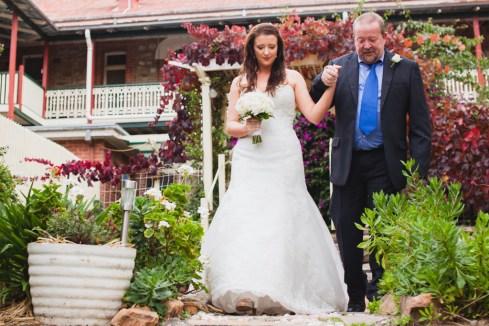Young-nsw-wedding-photographer-29