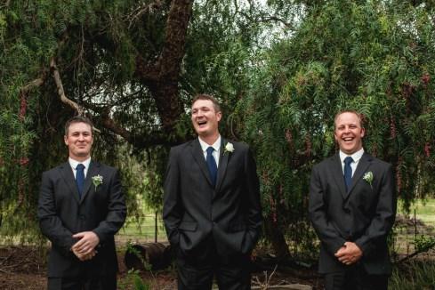 Young-nsw-wedding-photographer-57