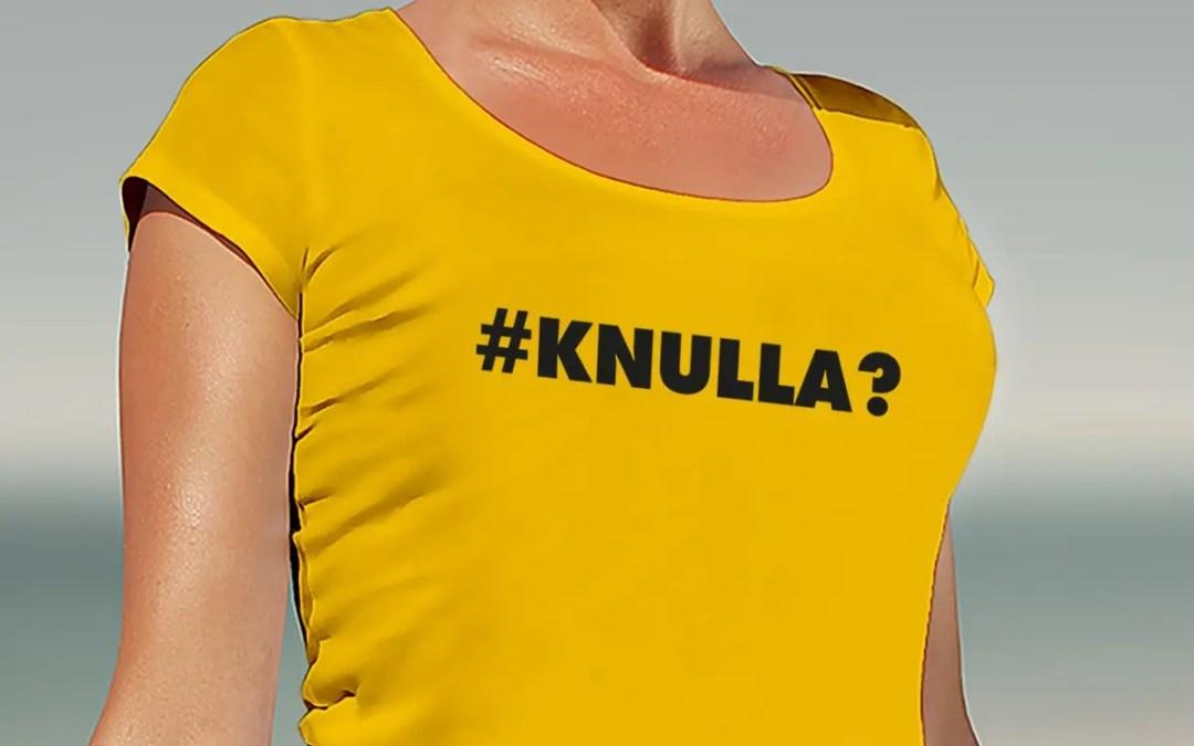 Knulla - T-shirt med upprullade ärmar dam