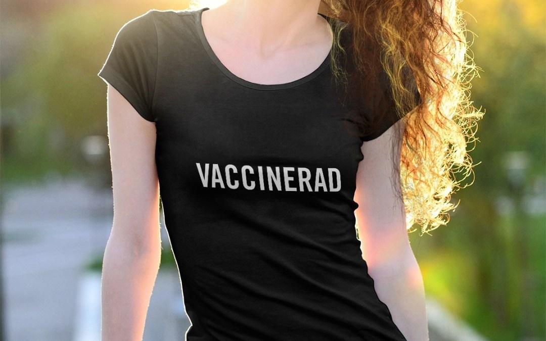 Vaccinerad - T-shirt med upprullade ärmar dam
