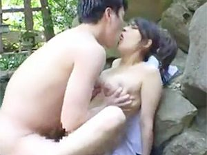 露天風呂に巨乳主婦集団が入ってきたから勃起アピールで釣った人妻をベロチュー乳揉み生挿入だ!