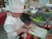 Cortamos las zanahorias baby