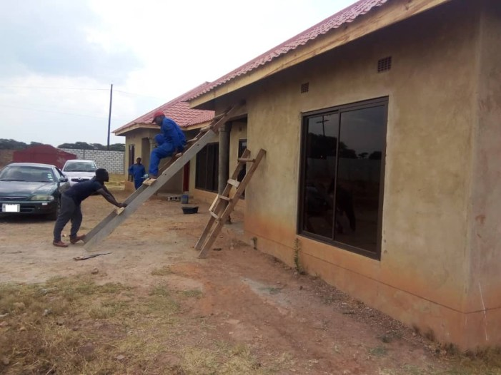 Lusaka: Incomplete flats on an acre of land near town
