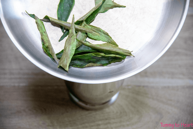 curry leaves roasted