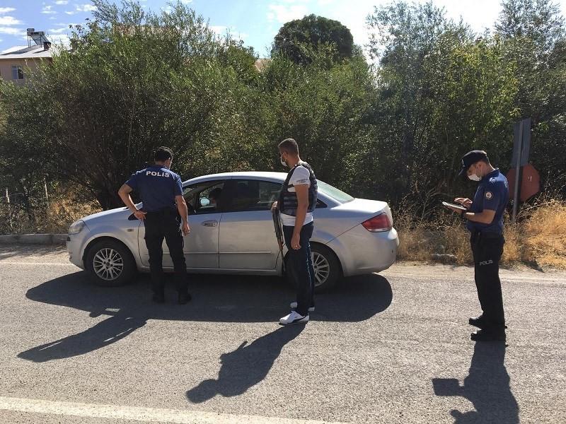 """Tunceli'de jandarma ve polisten """"Covid-19"""" denetimi"""