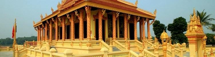 dâng y chùa Nam Tông Khơ Mer 2014