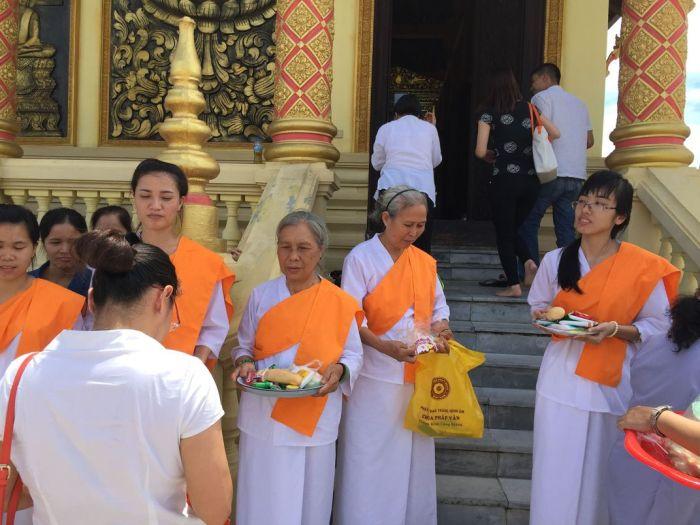 Le xuat gia gieo duyen chua Kleng Hanoi 59