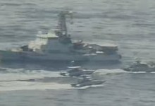 "Photo of زوارق إيرانية تقترب لـ""مسافة خطيرة"" من سفن عسكرية أميركية في الخليج"