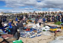 Photo of سيدي بوزيد: اكتظاظ في السوق الأسبوعية و حياة طبيعية رغم الحجر الصحي الشامل