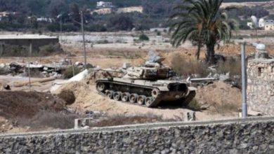 Photo of مقتل وإصابة 10 عسكريين مصريين إثر تفجير مدرعة في سيناء
