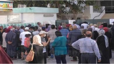 Photo of سوسة: خرق كامل للتباعد الجسدي أمام المؤسسات