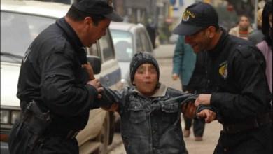 """Photo of طفل من مواليد 2005 ينفّذ """"براكاج"""" للتلاميذ بشفرة حلاقة!"""