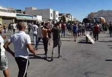 Photo of سيدي بوزيد : مواطنون يعترضون شاحنة و يستولون على الغاز