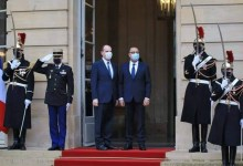 Photo of الصحافة الفرنسية تتحدث على اهانة الرئيس الفرنسي لتونس في زيارة رئيس الحكومة التونسي