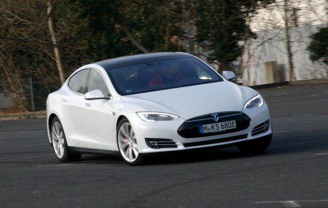 Tesla Model S 004