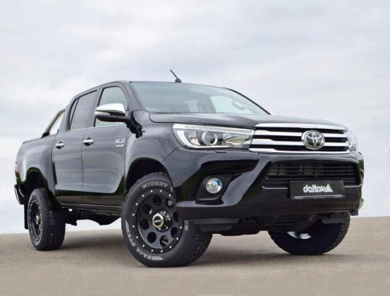 Toyota Hilux2016 Frontside KlassikB 18x9