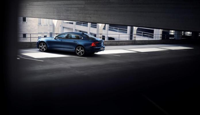 Volvo S90 V90 R Design 006
