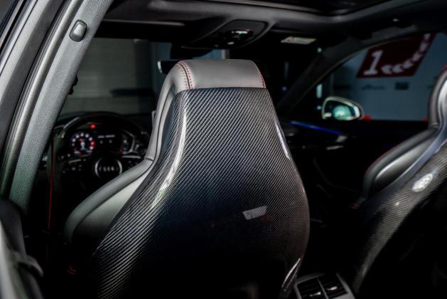 ABT RS4 Sitze 02
