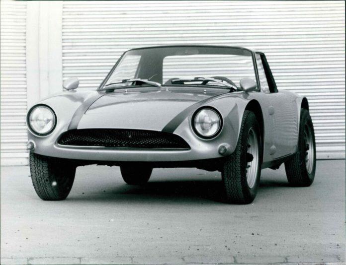 80 Jahre Ekkehard Zimmermann dp Motorsport 1962 Dingo erster Prototyp mit Polyester Karosserie
