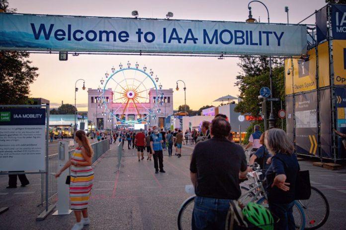 IAA MOBILITY 2021 01 Impressionen Abendstimmung AD 1076