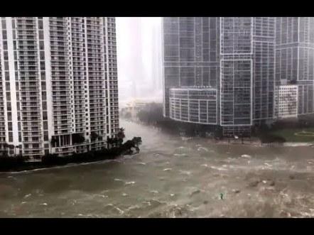 غرق ولاية فلوريدا بسبب الفياضانات