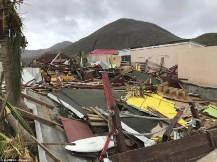 ميناء مخرب بالكامل - إعصار إيرما