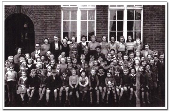 Tunstead School Class of Yesteryear
