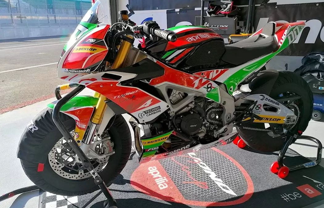 As Aprilia da Tuono Cup já rodam no Estoril!