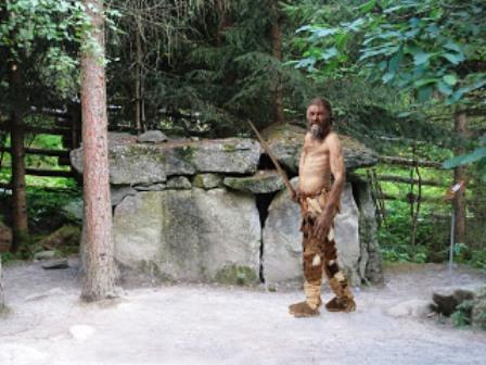 Otzi expuesto en Museo de El Tirol. Foto Oscaryjavier.blogspot