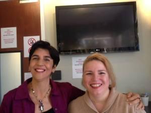 Marisela Valero con Adriana Sornes. Foto Nidia Hernandez
